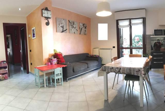 Appartamento in ottime condizioni parzialmente arredato in vendita Rif. 4420476