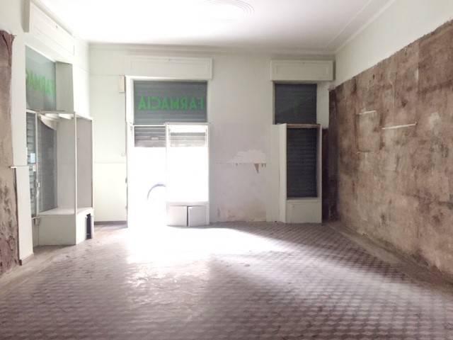 negozio in centro storico con riscaldamento autonomo Rif. 5819513
