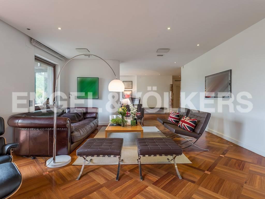 Appartamento in Vendita a Roma 36 Cassia / Olgiata: 5 locali, 435 mq