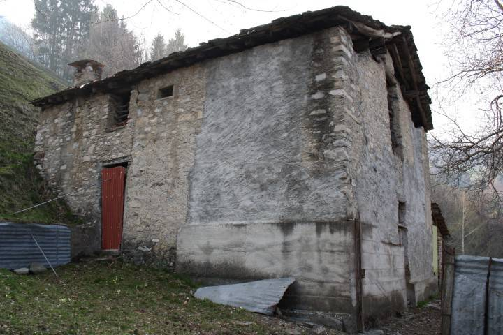 Rustico / Casale in vendita a Casasco d'Intelvi, 9999 locali, prezzo € 50.000 | PortaleAgenzieImmobiliari.it
