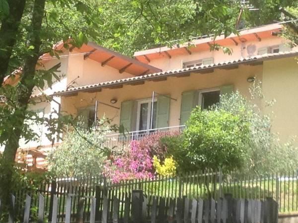 Villa in ottime condizioni parzialmente arredato in vendita Rif. 8639347