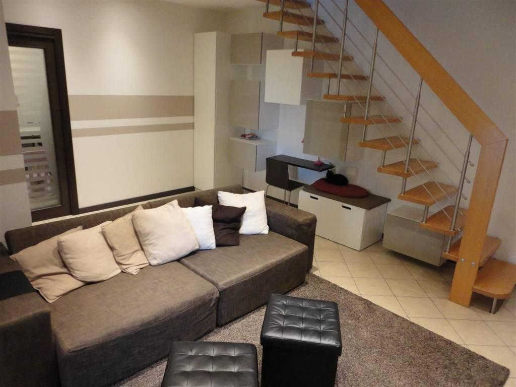 Appartamento in buone condizioni in vendita Rif. 8006437