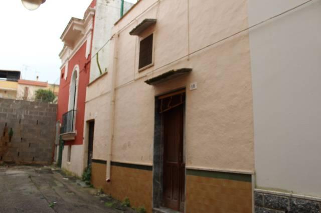 Casa indipendente in Vendita a Tuglie Centro: 3 locali, 100 mq