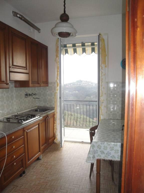 Appartamento in affitto a Vezzano Ligure, 4 locali, prezzo € 400 | PortaleAgenzieImmobiliari.it
