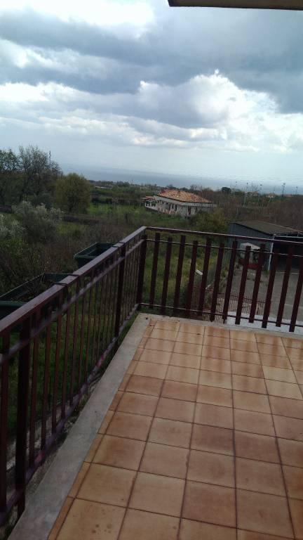 Appartamento in buone condizioni in vendita Rif. 8608003