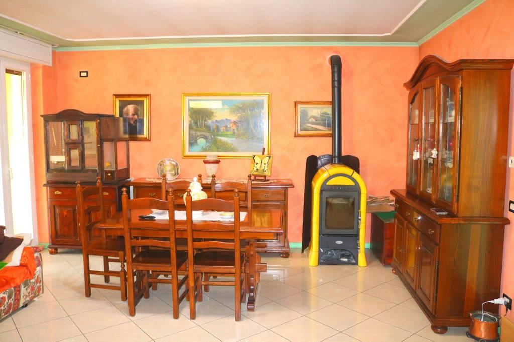 Appartamento in vendita a Leno, 6 locali, prezzo € 367.000 | CambioCasa.it