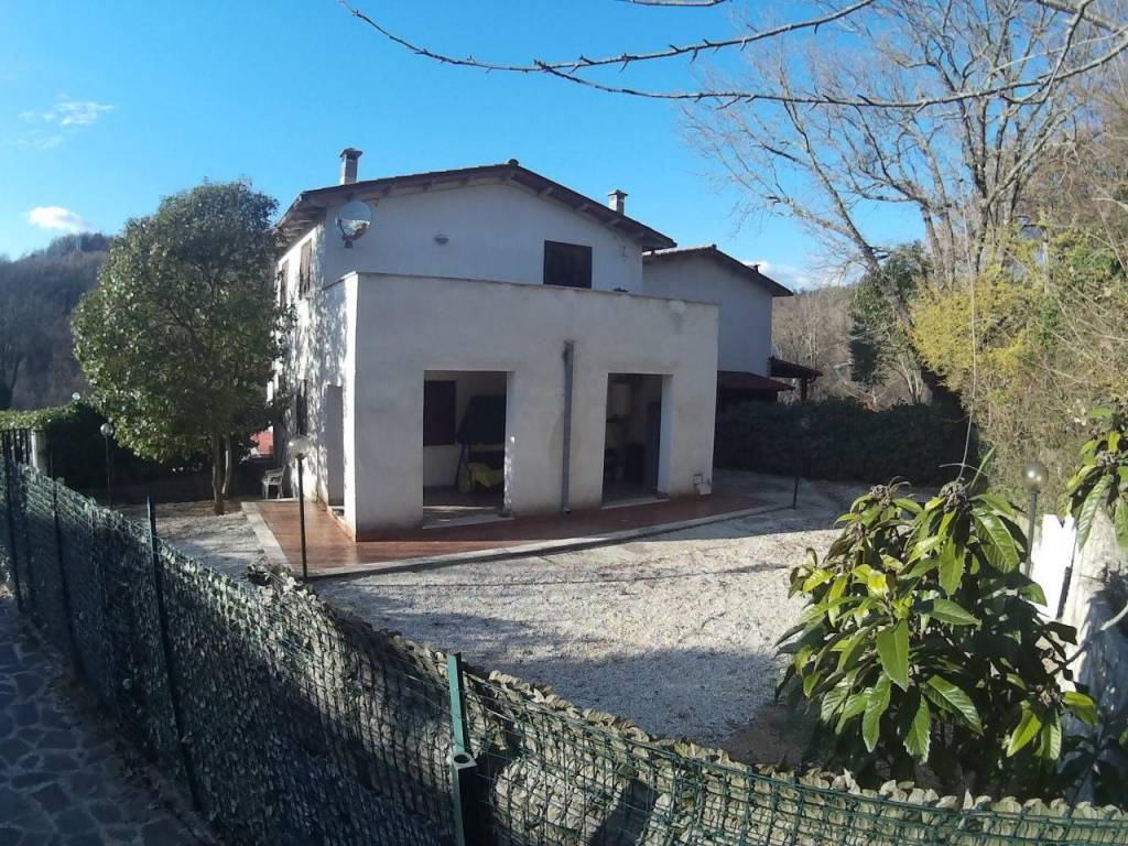 Villa in buone condizioni in vendita Rif. 5847878