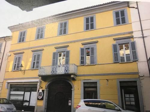 Ufficio / Studio in affitto a Bra, 2 locali, prezzo € 500 | CambioCasa.it