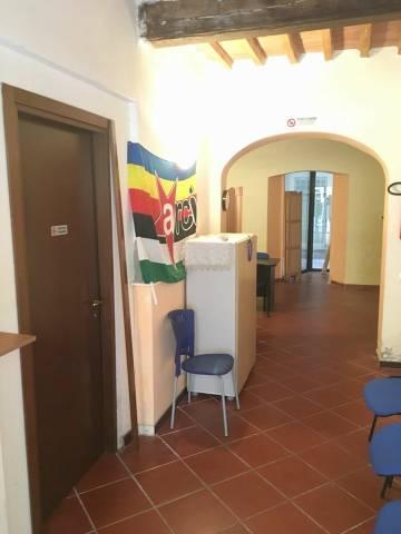 Magazzino in Vendita a Pisa: 3 locali, 65 mq