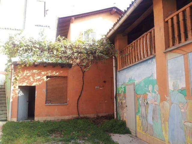 Rustico / Casale da ristrutturare in vendita Rif. 5861800