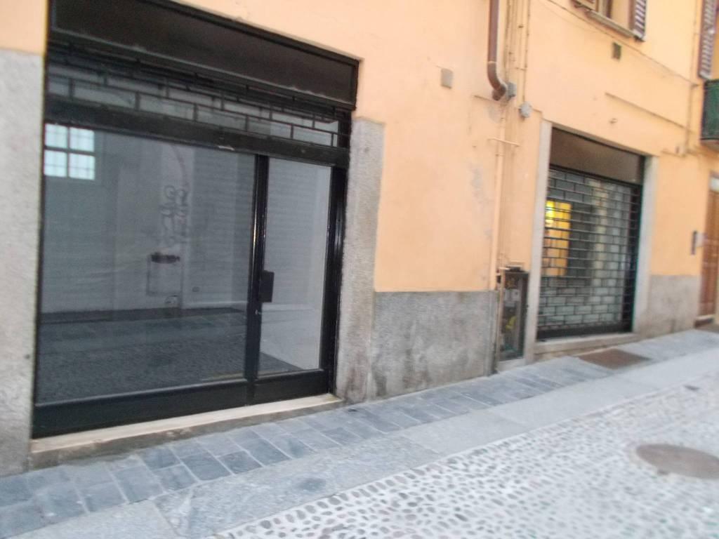 Negozio / Locale in affitto a Pavia, 2 locali, prezzo € 800 | PortaleAgenzieImmobiliari.it