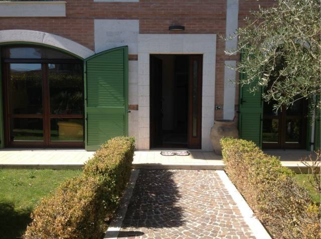 Villa in vendita Rif. 5860963