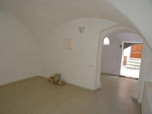 Appartamento in buone condizioni in vendita Rif. 4256493