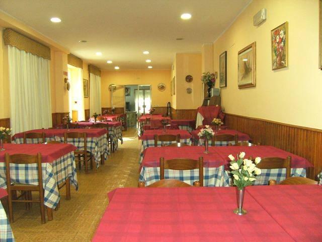 Albergo in vendita a Chianciano Terme, 6 locali, prezzo € 200.000 | CambioCasa.it