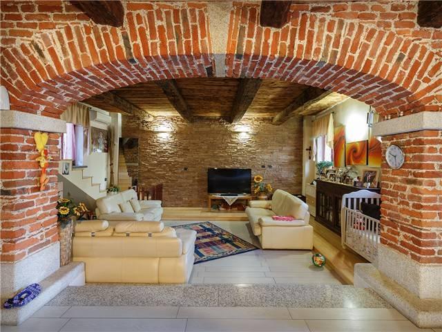 Appartamento in Vendita a Cameri