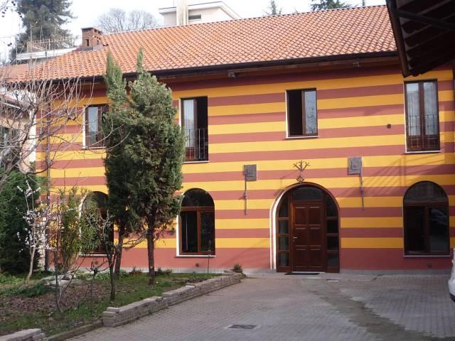Appartamento in ottime condizioni arredato in affitto Rif. 5862367