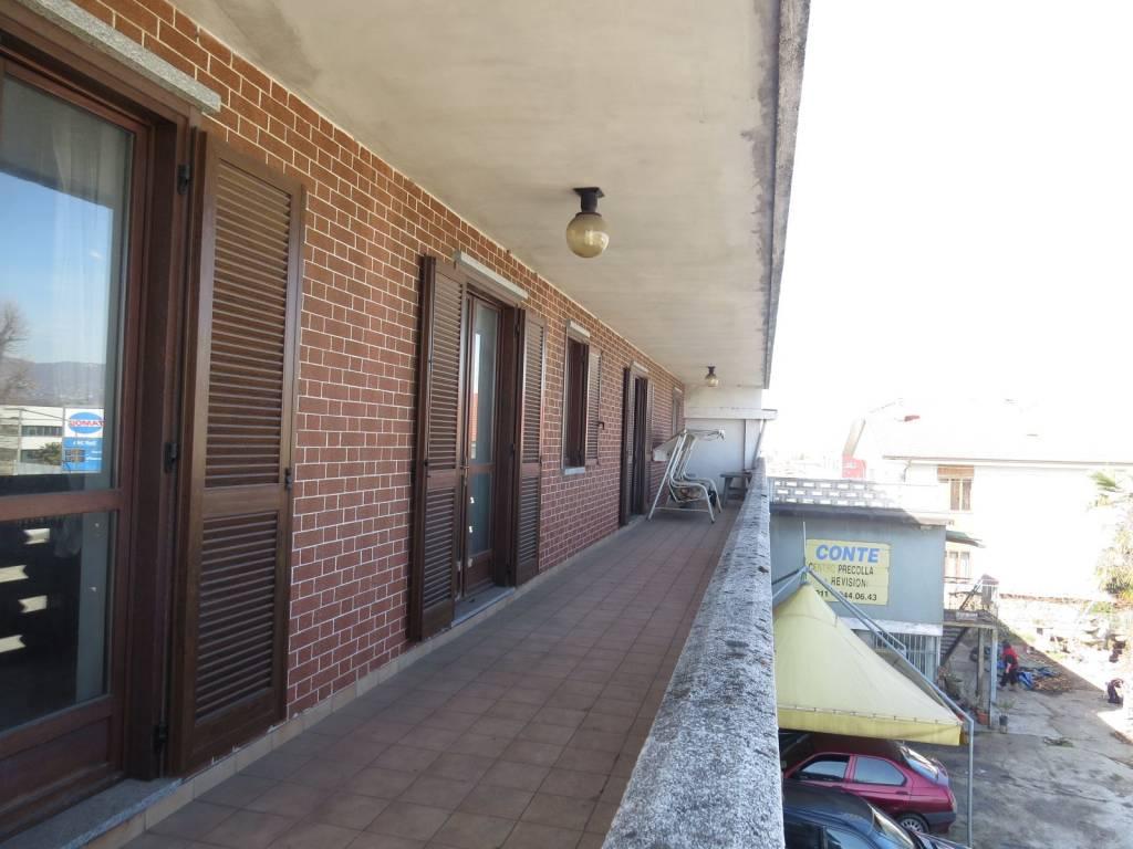 Foto 1 di Stabile - Palazzo via Nazionale, Cambiano
