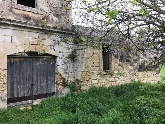 Rustico in Vendita a Lecce Periferia: 5 locali, 250 mq