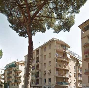 Appartamento in vendita 2 vani 68 mq.  viale Tirreno Roma