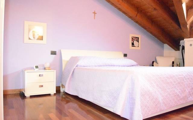 Appartamento in ottime condizioni parzialmente arredato in vendita Rif. 5862558