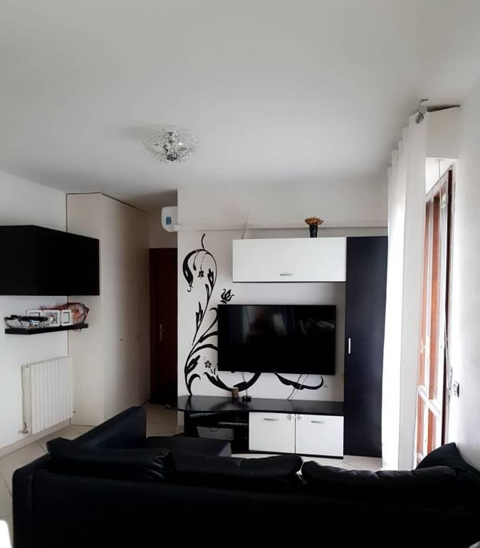 Appartamento in ottime condizioni parzialmente arredato in vendita Rif. 8509543