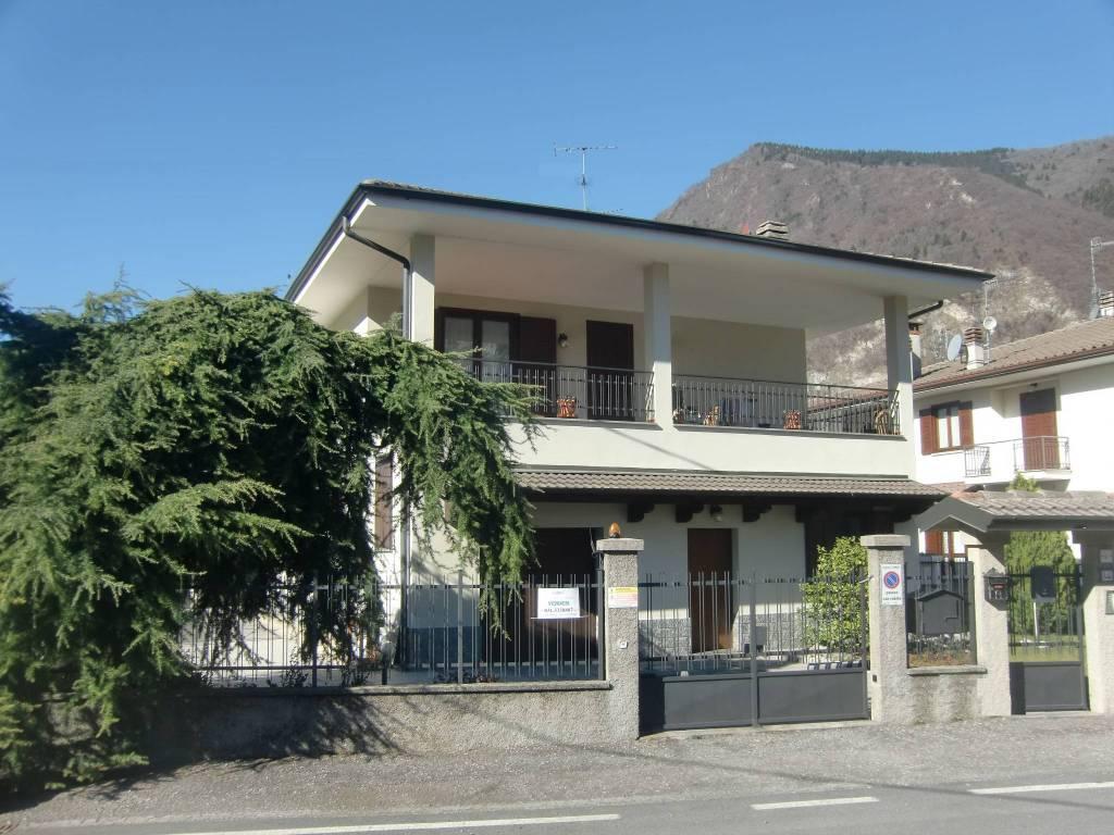 Villa in vendita a Canzo, 4 locali, prezzo € 205.000 | PortaleAgenzieImmobiliari.it