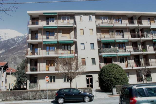 Appartamento in buone condizioni in vendita Rif. 5873417