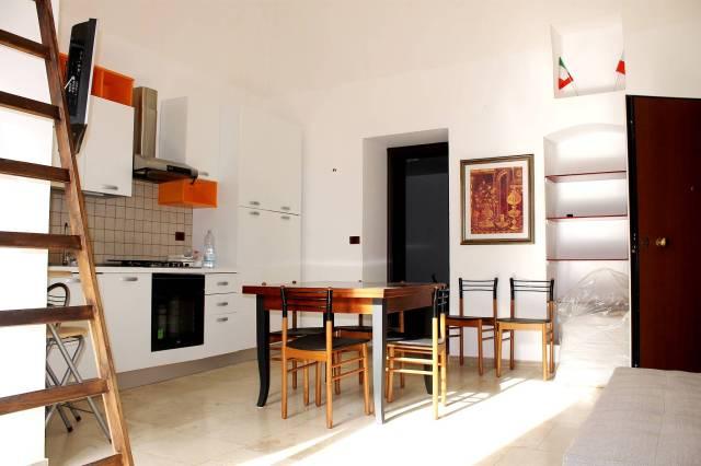 Appartamento in ottime condizioni arredato in affitto Rif. 5873207