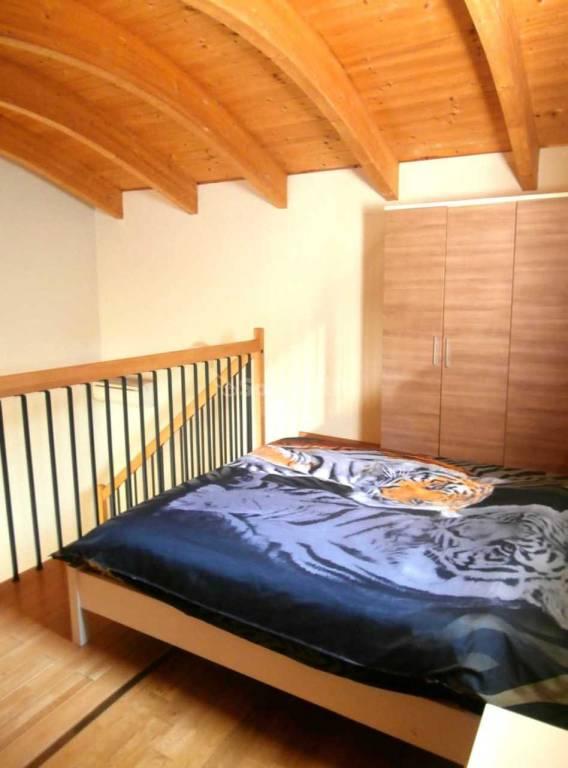 Appartamento in buone condizioni arredato in affitto Rif. 9271306