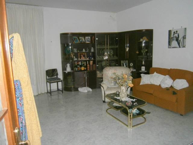 Appartamento in ottime condizioni arredato in affitto Rif. 6581371