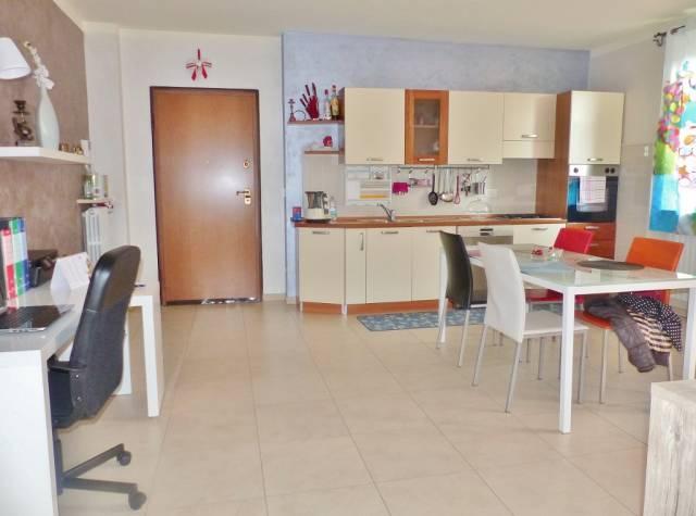Appartamento in ottime condizioni in affitto Rif. 5896107