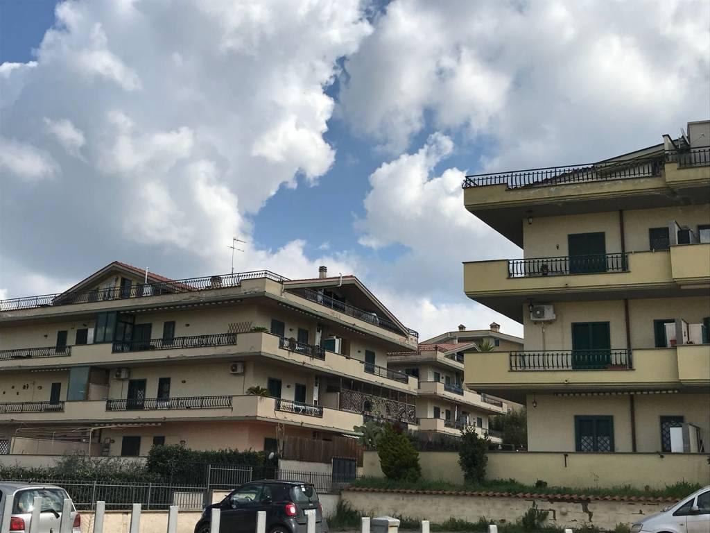 Appartamento in ottime condizioni in vendita Rif. 8490870