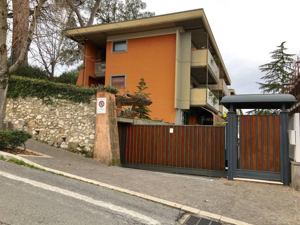 Appartamento in ottime condizioni in vendita Rif. 8913549