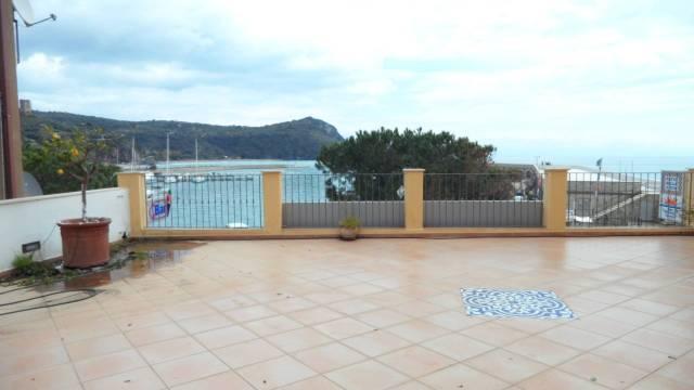 Appartamento in buone condizioni in vendita Rif. 5925254