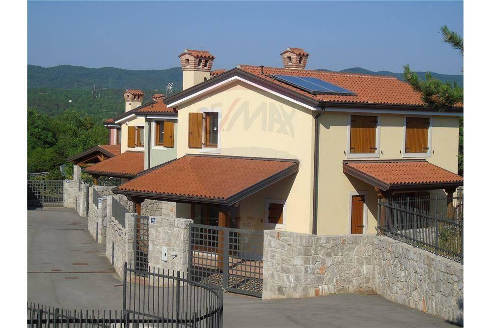 Primo ingresso: Ville singole con giardino a Santa Croce