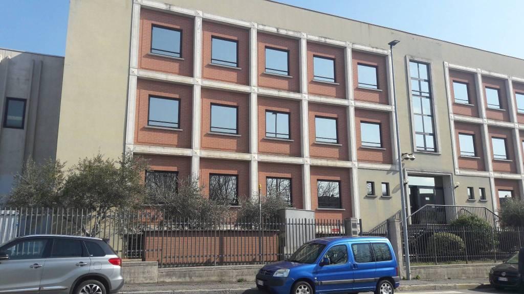 Immagine immobiliare UFFICIO DI 100 MQ In zona industriale a due passi da C.so Allamano vicinanze