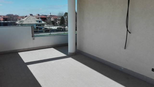 Appartamento in ottime condizioni in vendita Rif. 5899647