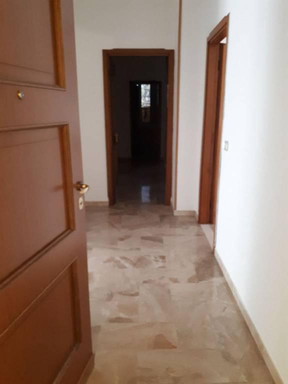 Appartamento in affitto a Leno, 6 locali, prezzo € 500 | CambioCasa.it