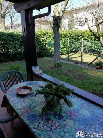 Villa in Vendita a Podenzano Periferia: 5 locali, 190 mq