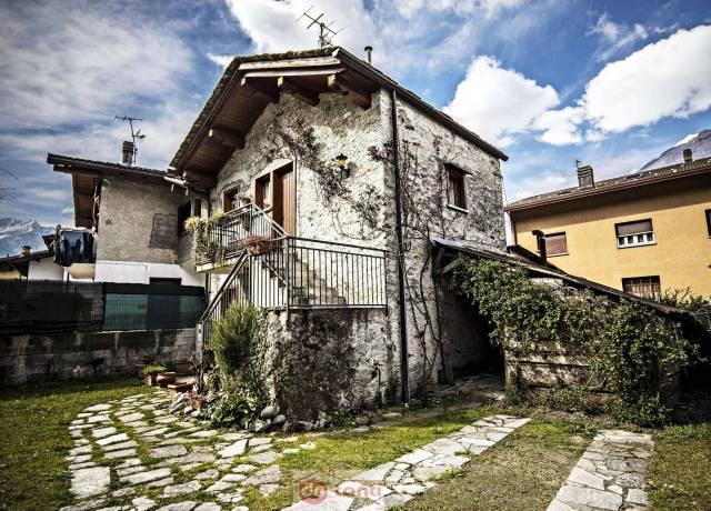 Soluzione Indipendente in vendita a Prata Camportaccio, 3 locali, prezzo € 145.000 | CambioCasa.it