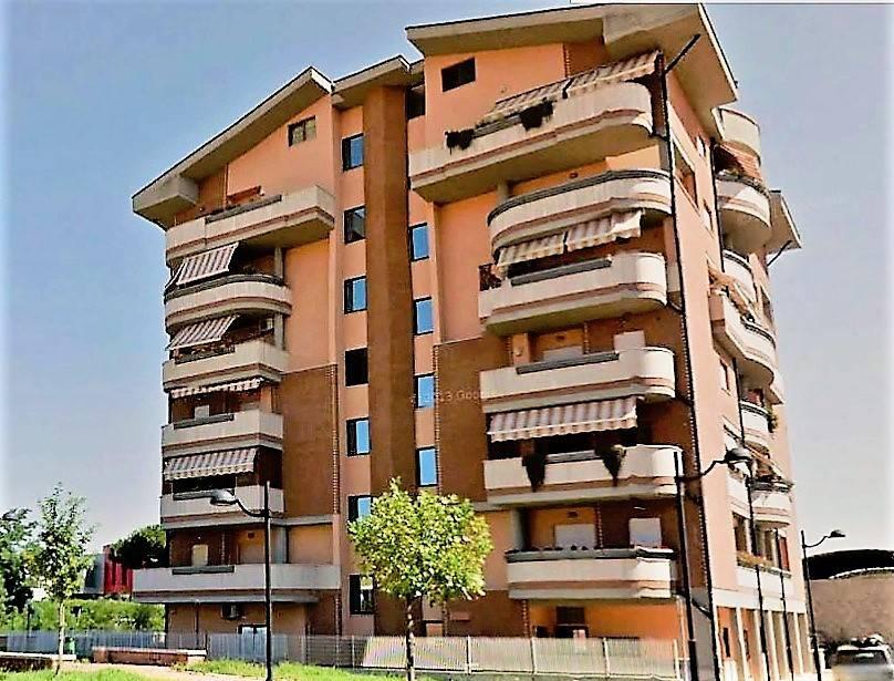 Appartamento in ottime condizioni in vendita Rif. 7362571