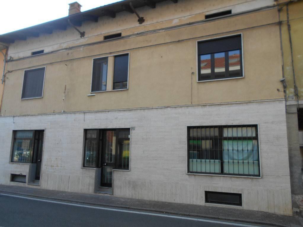 Palazzo / Stabile in vendita a Cigliano, 4 locali, prezzo € 185.000 | PortaleAgenzieImmobiliari.it