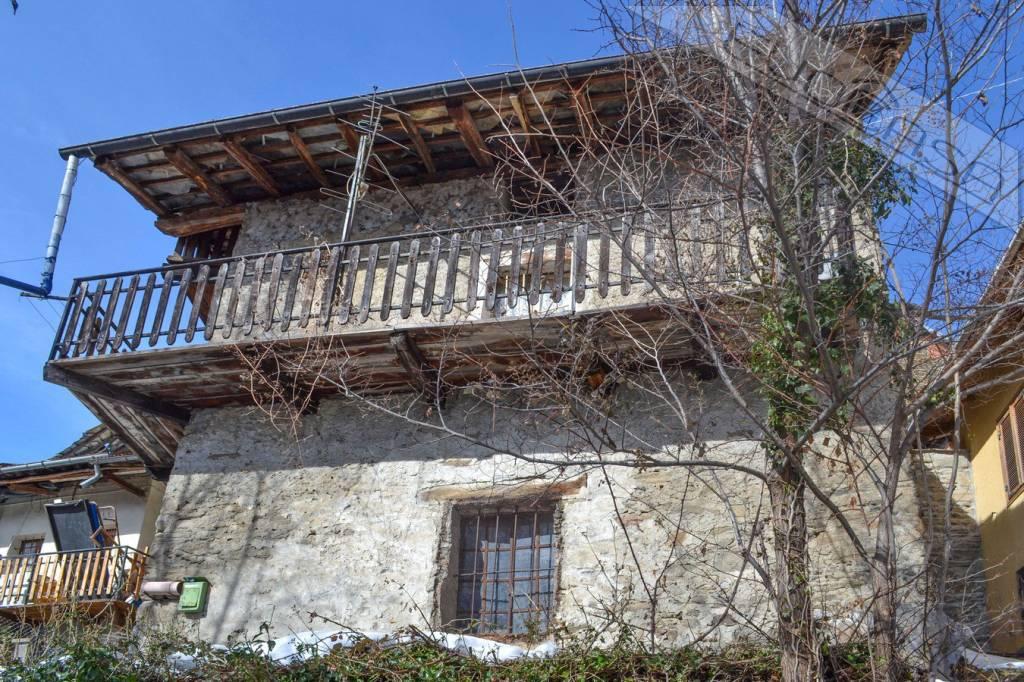Foto 1 di Casa indipendente strada del Podio, Pomaretto