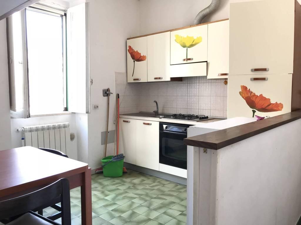 Appartamento in buone condizioni parzialmente arredato in vendita Rif. 8202762