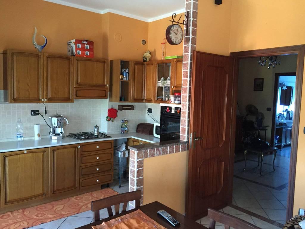 Appartamento in vendita a San Damiano d'Asti, 5 locali, prezzo € 125.000 | PortaleAgenzieImmobiliari.it