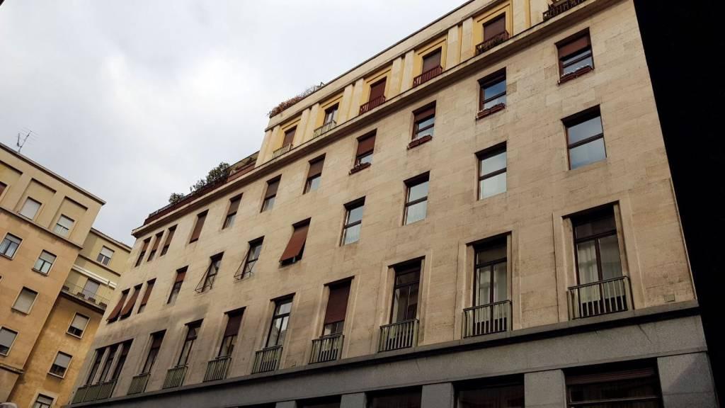 """Immagine immobiliare Via Buozzi 5 Torino In posizione centralissima, al piano quinto luminoso appartamento di mq 120 attualmente in """"open concept"""" composto di ingresso, cucina abitabile, ampio vano """"open"""" e bagno. Possibilità di..."""