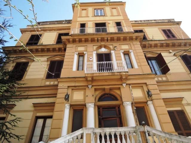 Rifinitissimo appartamento nella centrale via Beneduce.