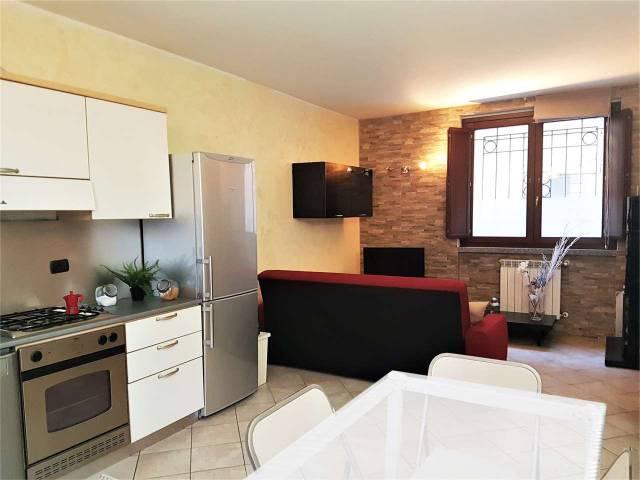 Appartamento in buone condizioni parzialmente arredato in vendita Rif. 5930789
