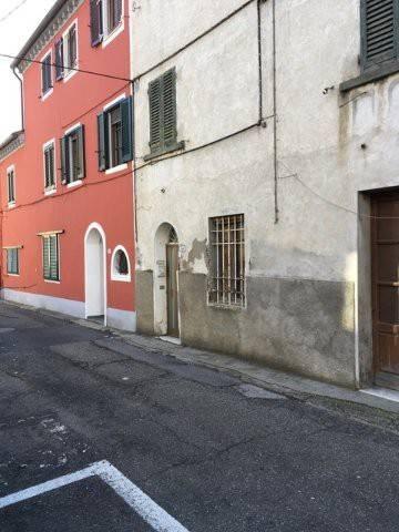 Appartamento da ristrutturare in vendita Rif. 5913203