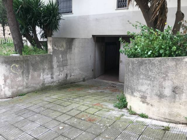 Attività / Licenza in vendita a Pontecagnano Faiano, 1 locali, prezzo € 15.000 | CambioCasa.it